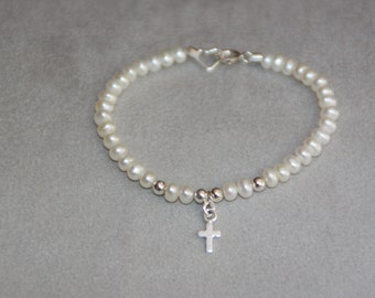 Children bracelet. Freshwater pearls bracelet. Sterling Silver Bracelet. Baby jewelry. Baptism. Christening. First communion. Flowergirls.