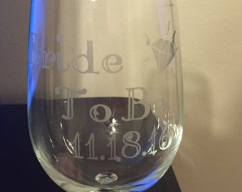 Bride to Be etched wine glass