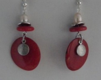 Earrings red tagua disc pendant with freshwater pearl