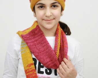 hand knitted hat and scarf (130 sm long) for girls (9-13 years old)