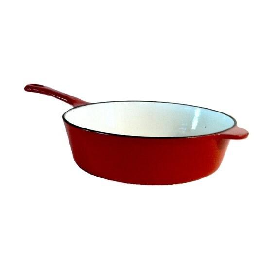 vintage cast iron skillet red enamel cooking skillet stove. Black Bedroom Furniture Sets. Home Design Ideas