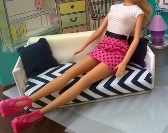 Styling Sofa 1/ Lovable Loveseat 2