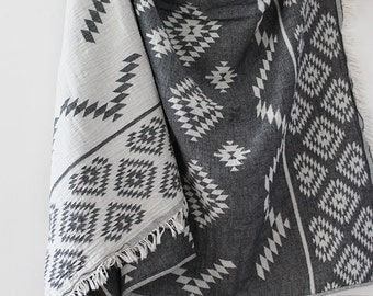 Kilim Aztec Blanket | Black | Boho Blanket | Throw Blanket | Turkish Towel | Aztec Blanket | Beach Blanket | Aztec Towel | Beach Towel