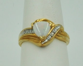 10K Gold, Opal & Diamonds  Ring