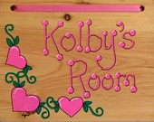 Personalized Name Plaque. Heart Vine Room Sign. Hand Painted and Lettered. Door Sign. Room Decor. Children's Name Sign