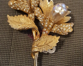 Vintage pearl and diamond brooch/pin marked Ballet