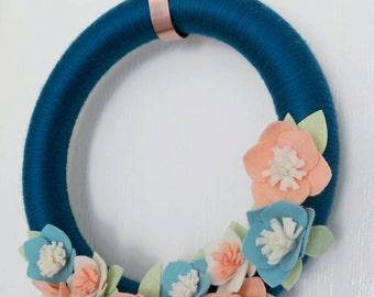 "Felt Flower Wreath, Teal & Coral, Yarn Wrapped, 14"", Summer Wreath, Spring Wreath"