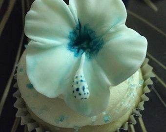 Fondant Hibiscus Cupcake Topper