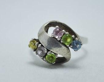 T20E10 Vintage Art Nouveau Styl Multi Colored Stone S-Form 925 Sterling Ring Sz 5.75