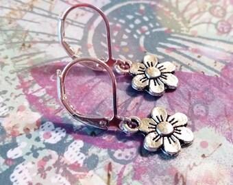 Vintage Flower Earrings / Boho Earrings / Vintage Earrings / Leverback Earrings / Silver Earrings