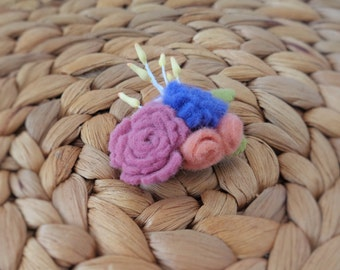 Floral Bouquet Hair Clip - Budding Blossoms