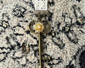 Antique Style Key Charm Bookmark