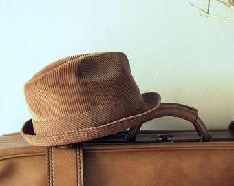 Travel hat, velvet hat, vintage hat, made in FRANCE