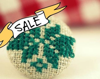 SALE - Norwegian Star - Fabric Covered Brooch Pin