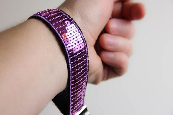 Wrist keychain - wristlet - lilac - mauve - sequins - glitter - paillettes - useful - Sparkle - Saint Valentin