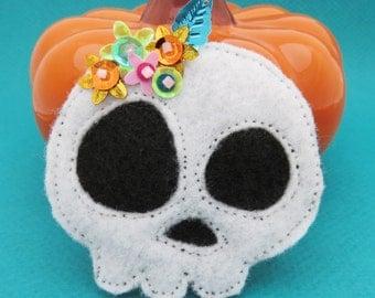 Skull Brooch - Day of the Dead Pin - Sugar Skull - Dia de los Muertos - Calavera - Halloween