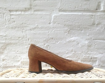 1980's Escada Textured Pumps / Chunky Heel / Bark / Leather Upper / Two Toned / Black and Tan / Size 7 - 7.5B / Square Toe / Earth Tones