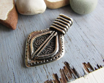 Antiqued silver pendant, dagger, metal pendant, metal casting , silver plated antiqued / pewter tone 40 x 24 mm ( 1 pc ) 7Bs3378