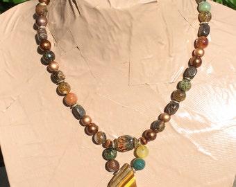 SIRI  tiger eye pendant necklace