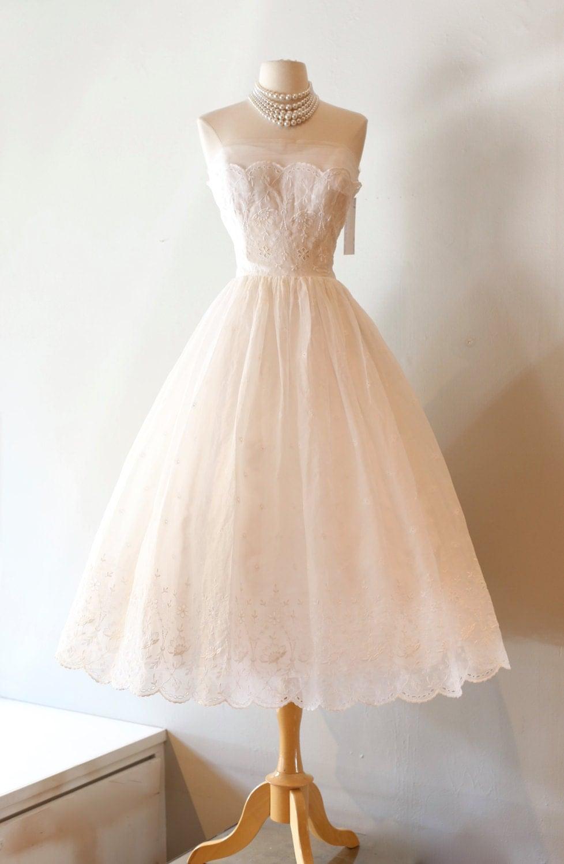 Vintage 1950s wedding dress vintage 50s eyelet lace wedding for Vintage 50s wedding dresses