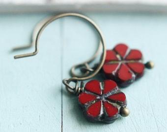 Flower Earrings - Pretty Poppy