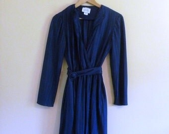 PREVIOUSLY 37.00 - Vintage 70s Blue Wrap Style Mini Dress - Size S/M