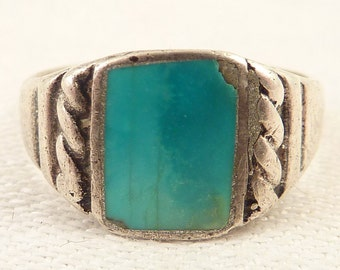 Size 8 Vintage Sterling and Turquoise Layer Ring