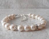 Ivory Pearl Bridal Bracelet, Beaded Jewelry, Classic Wedding Jewelry, Simple Pearl Bracelet, Bridesmaid Bracelets, Custom Colors