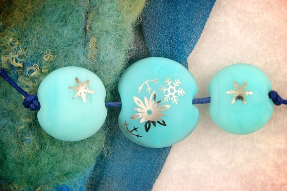 "SRA Lampwork Beads Set of 3 ""Platinum Snowflake Lentils"" Handmade Sandblasted Glass and Metallic Lustre on Aqua"