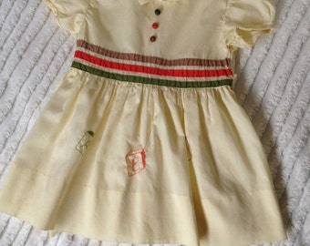 Vintage 1960s Baby Girls  Dress Size 3 / Full Skirt / Short Sleeves / Girls Dress