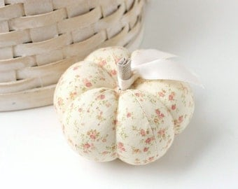 Pink and Cream Floral Pumpkin Pincushion Pin Keep