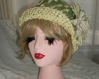 Vintage 1930s Rare Woven Turban or Cloche Hat Exec Cond Large Silk Dahlia