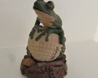 Vintage Cairn Studio Tim Wolfe Hawthorn a Tree Frog on a Golf Ball  Re-Signed  Retired
