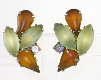 Vintage Green and Amber Satin Moonglow Poured Glass Clip Earrings (E-2-3)