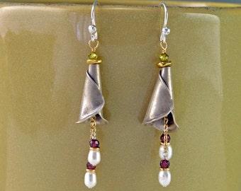 Pearls in Bloom Earrings