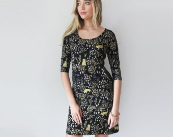 Cats in Grass Shift Dress in Royal Blue, Pale Pink and Gold on Black