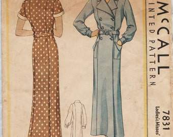 McCall 7831 / Vintage 1930s Sewing Pattern / Robe Dressing Gown Lingerie / Size 14 Bust 32