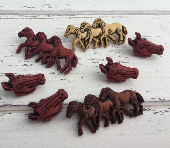 "Horse Buttons, Packaged Novelty Buttons by Buttons Galore, "" Horses"" Style 4108, Shank Back, Button Assortment Pack, 7 Pieces"