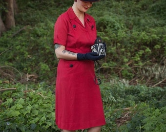 On Assignment - Ww2 1940s True Red Gabardine Day Dress w/Front Pockets Black Buttons - 6