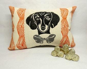 Dachshund Print Kidney Pillow - Dachshund Doxie Dog Printed Kidney Pillow, Orange Geomeric Print Decorative Pillow, Dog Face Kidney Pillow