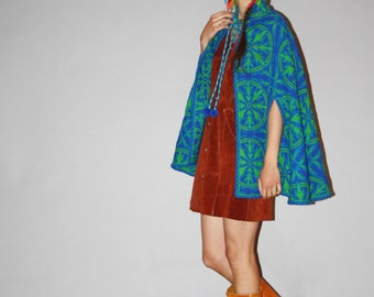 1960s Vintage Teal Bohemian Boho Tapestry Hippie Wool Cape - Vintage 60s Wool Capes  - Vintage Hippie Cape  - WO0701