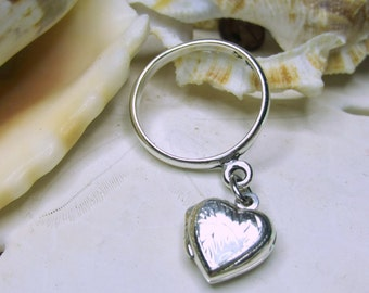 Sterling Silver Etched Heart Locket Dangle Charm Ring 3D Movable SZ 7
