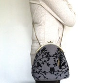 Vintage Style Bird Bag, Embroidery Kiss Lock Purse with Leather and Metal Chain