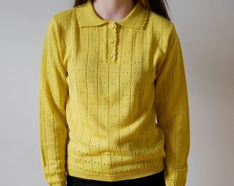 vintage mustard yellow pullover sweater / size small