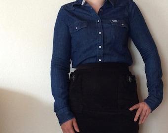 Vintage denim workwear longsleeve blouse shirt from Lee. Good quality heavy denim