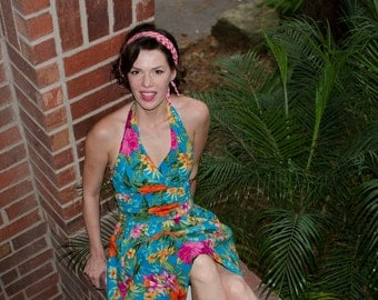 50s style Hawaiian Halter dress / xs floral pinup dress