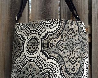 Diaper Bag, Cross Body Purse, Large, zipper closure, lots of pockets - Black, White and Gray Print