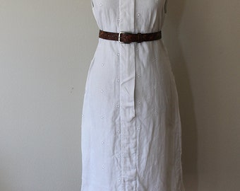 1960s Linen Eyelet White Shift Dress // Large