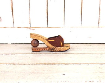 90s vintage brown tribal print carved wood platform clogs/chunky open toe slip on mule sandals/Asian style shoe
