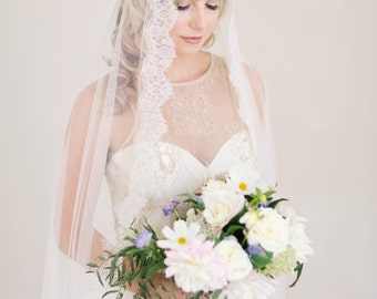 Mantilla Wedding Veil, Lace Veil, French Lace Wedding Veil, Bridal Veil, Chantilly Lace Veil